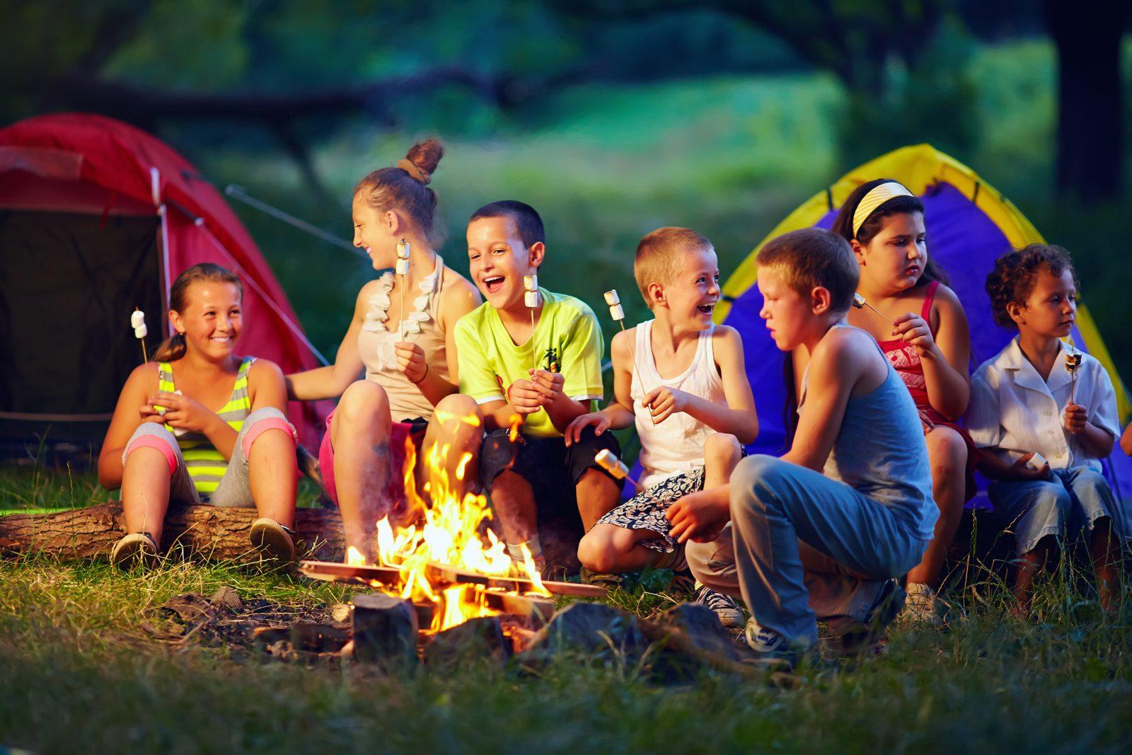 summer-camp-babe